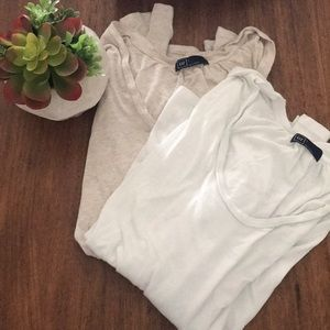 2 long sleeve gap shirts